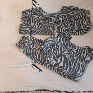 Zebra print jogger set Express
